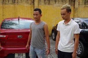 Thợ mua bán xe ô tô lén giữ lại chìa khóa, nửa đêm tranh thủ đi trộm