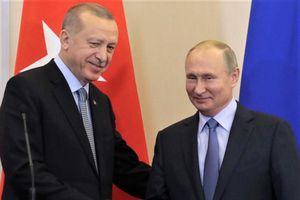 Cái bắt tay của ông Putin và ông Erdogan loại Mỹ khỏi bàn cờ Syria
