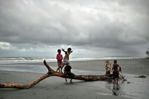 Nhà máy tỷ đô của TQ bị đóng cửa vì xả bùn đỏ ra biển ở PNG