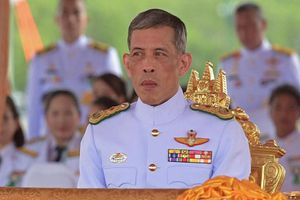 Đời tư ít biết của Quốc vương Thái Lan giàu có bậc nhất