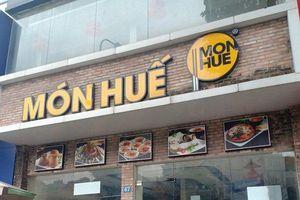 Hà Nội: Cận cảnh nhiều cửa hàng món Huế đóng cửa im lìm