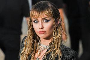 Miley Cyrus vô tình để lộ tracklist album mới: Có tên Cardi B và Shawn Mendes?
