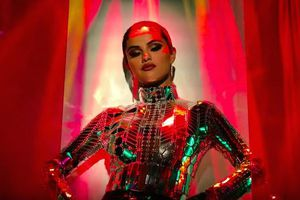 Selena Gomez - Look At Her Now: Sự chuyển mình ngoạn mục sau bản ngã mong manh Lose You To Love Me