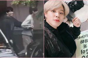 BTS: V nắm chặt tay Jungkook, Jimin đứng top 5 sao viết chữ đẹp