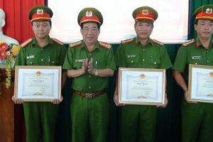 Chủ tịch UBND tỉnh Trà Vinh: Khen thưởng đột xuất CBCS triệt phá sới bạc lớn