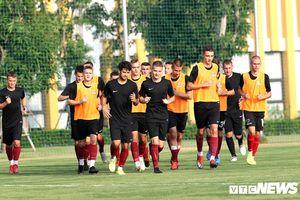 Đội bóng châu Âu của ông chủ người Việt tập huấn tại PVF, đấu U19 Việt Nam