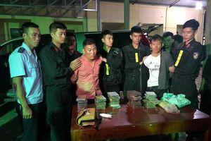 Hải quan Hà Tĩnh phối hợp bắt 6.000 viên hồng phiến và 30 bánh heroin