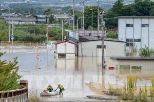 Nhật Bản khuyến cáo hàng chục nghìn người dân sơ tán