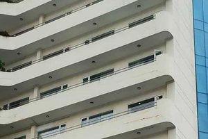 Nghệ An: Phó phòng kế toán một trường đại học rơi từ tầng 8 khách sạn tử vong