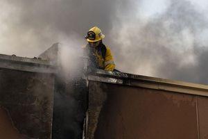 Hỏa hoạn lan rộng ở California, hàng chục nghìn người sơ tán