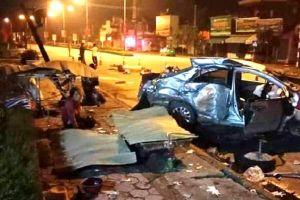Nghệ An: Va chạm giữa xe chở khách với xe con, 4 người thương vong