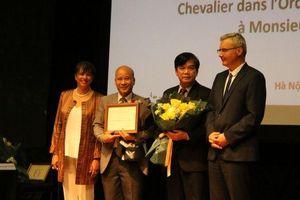 Hai người Việt Nam được trao tặng Huân chương cao quý của Pháp