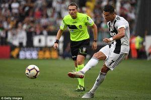 Sút phạt tệ khủng khiếp, Ronaldo vẫn nhận đặc quyền tại Juventus
