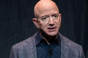 Jeff Bezos nhiều khả năng mất danh hiệu 'người giàu nhất thế giới'