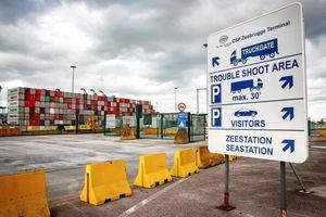 Quy trình an ninh cảng Zeebrugge - 'trạm trung chuyển' container chứa 39 thi thể