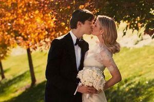 Ivanka Trump chia sẻ ảnh cưới với chồng nhân kỷ niệm 10 năm kết hôn