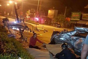 Xe khách tông vào xe con đang sang đường khiến 3 người tử vong tại chỗ