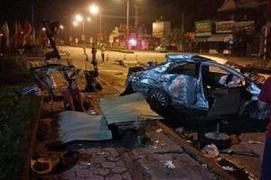 Xe khách đâm taxi, 3 người tử vong và tài xế nguy kịch