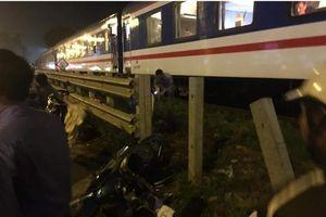 Vượt ẩu qua đường sắt, nam thanh niên nhập viện