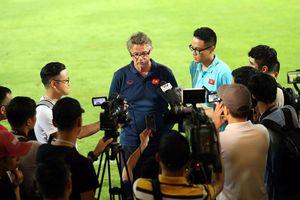Đánh bại đội bóng châu Âu, HLV Troussier khen ngợi U19 Việt Nam