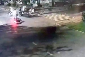 Cướp táo tợn ở Sài Gòn: Bố trí kẻ giật túi xách, kẻ 'đón lõng' tấn công đôi nam nữ cướp sạch tài sản