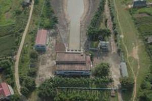 Vụ nước sông Đà nhiễm dầu: Bí thư Tình ủy Hòa Bình họp chỉ đạo thu hồi hồ Đồng Bài