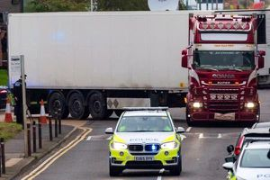 Bỉ ráo riết truy lùng tài xế, chiếc xe chở 39 người có hành trình 'bất thường'