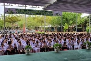 Trường THPT Trần Đại Nghĩa TP Cần Thơ: Chung tay hạn chế rác thải nhựa