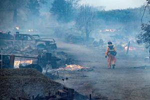 Tuyên bố tình trạng khẩn cấp khi đám cháy ở California lan rộng