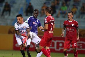 Clip: Bàn thắng gây tranh cãi dữ dội trong trận Hà Nội FC 3-0 TPHCM