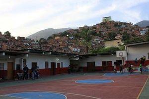 Venezuela đối mặt với vòng xoáy tội phạm và buôn lậu