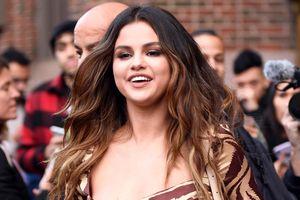 Selena Gomez thay đổi phong cách liên tục trong một ngày ở New York
