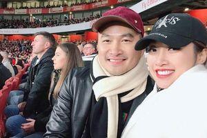 Diễn viên Chi Bảo và bạn gái kém 16 tuổi du lịch ở Anh