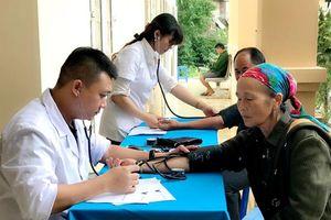 Khám bệnh, cấp thuốc miễn phí cho người nghèo xã đặc biệt khó khăn tỉnh Nghệ An