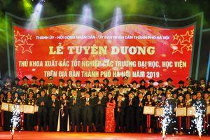Hà Nội vinh danh 86 thủ khoa sắc xuất tốt nghiệp năm 2019
