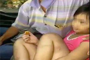 Mẹ và cha dượng nghi hành hạ, dí thuốc lá vào vùng kín của bé gái