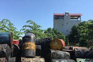 Sau vụ đổ trộm dầu thải Sông Đà: Hoạt động mua bán dầu thải bẩn vẫn tấp nập công khai