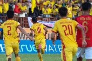Văn Thắng tỏa sáng, Thanh Hóa FC chính thức trụ hạng