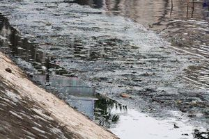 Mỗi ngày các dòng sông Hà Nội nhận 600.000 m3 nước thải