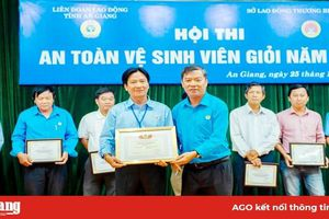 Trao giải Hội thi An toàn vệ sinh viên giỏi cấp tỉnh