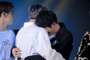 9X Việt khóc nức nở vì không trúng tuyển nhóm nhạc của công ty Hàn