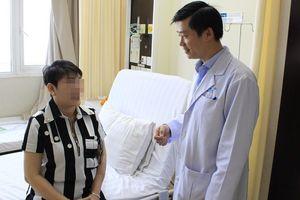 Người phụ nữ bị căn bệnh oái oăm, cứ chạm tay vào mặt là đau như... 'điện giật': Bác sĩ lý giải nguyên nhân ai nghe cũng sợ
