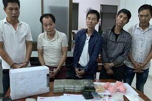 Bắt 3 anh em ruột điều hành đường dây ma túy khủng, thu giữ 2 khẩu súng