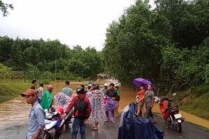 Quảng Ngãi: 1 người mất tích, 12 người bị thương do bão số 5