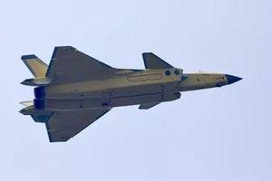 Tiêm kích tàng hình J-20 đã về đích trước Su-57