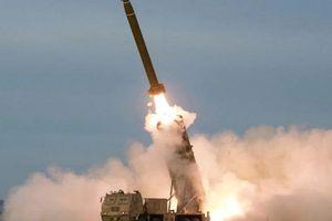 Triều Tiên bất ngờ phóng hai vật thể không xác định