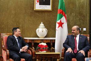 Đại sứ Phạm Quốc Trụ chào từ biệt Chủ tịch Quốc hội Algeria
