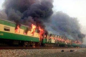Nổ gas kinh hoàng trên tàu hỏa, gần 70 người chết thảm
