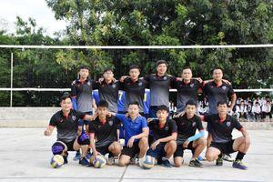 Tinh thần thể thao cao thượng của đội bóng chuyền nam Trường Lương Thế Vinh