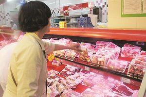 Thịt lợn nhập khẩu đang tiêu thụ qua kênh nào?